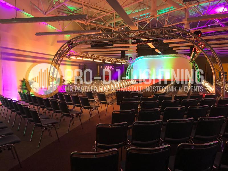 Rundbogenbühne - Eventbühne - Podesterie - Bühnenbau - Bühnentechnik