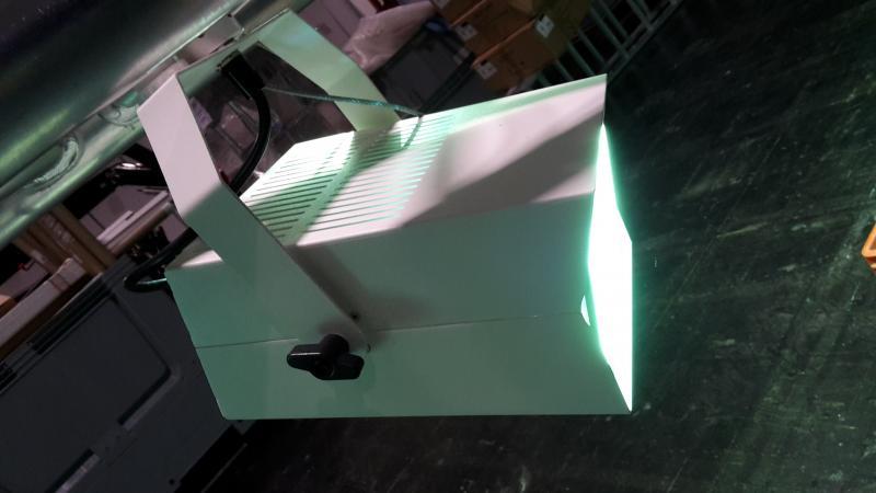 3-Phasenstrahler SENCILLO mit Fangseil